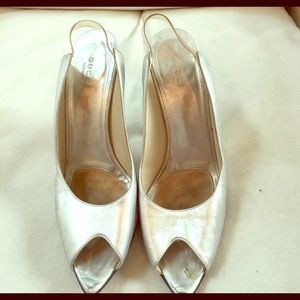 GUCCI SILVER very Soft Leather Sling Back Heels